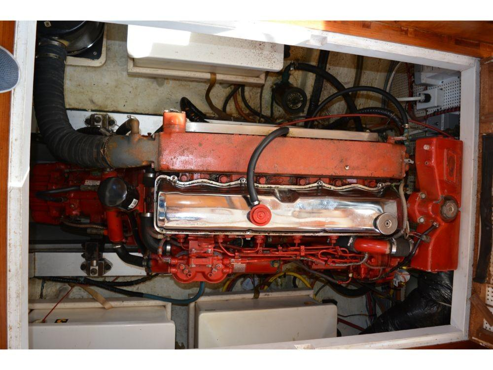 Grand Banks Sedan - Engine