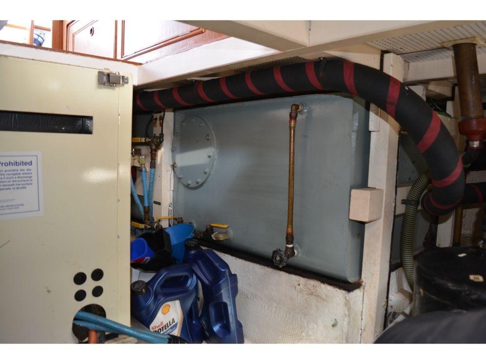 Grand Banks Sedan - Engine Room 4