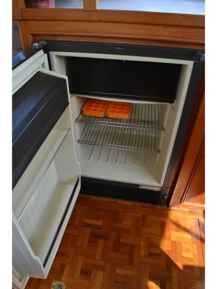 Grand Banks Sedan - Norcold Refrigerator/Freezer