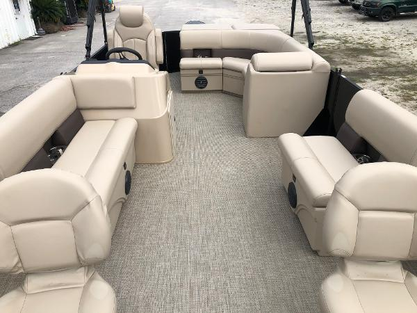 2021 Bentley boat for sale, model of the boat is 243 Fish & Image # 10 of 29