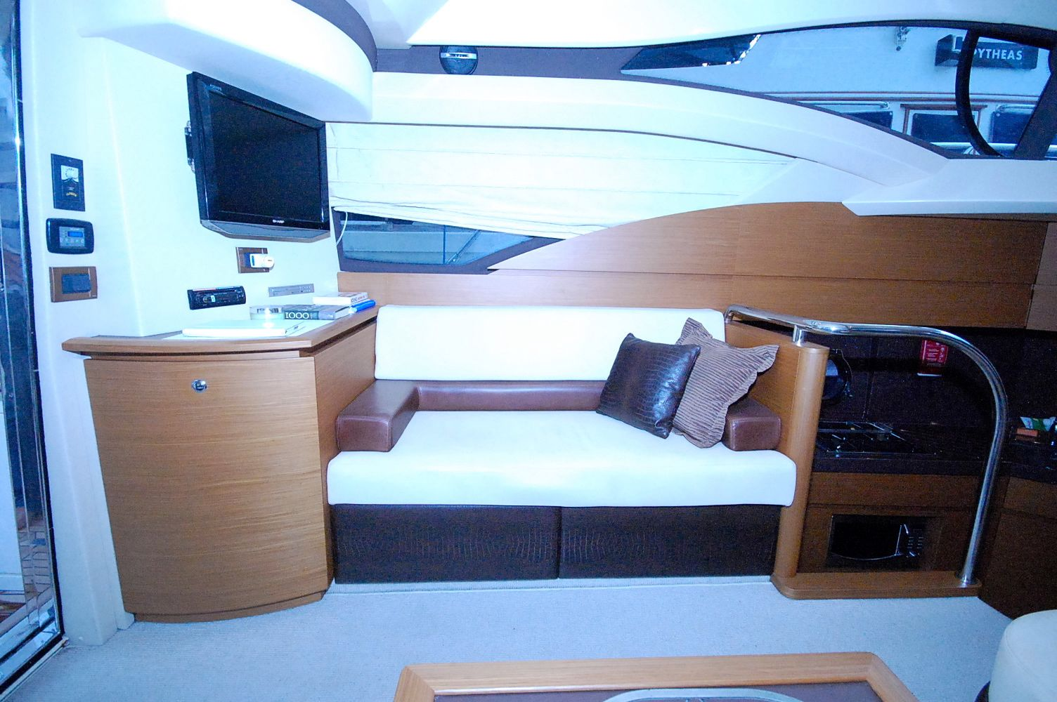 Saloon portside