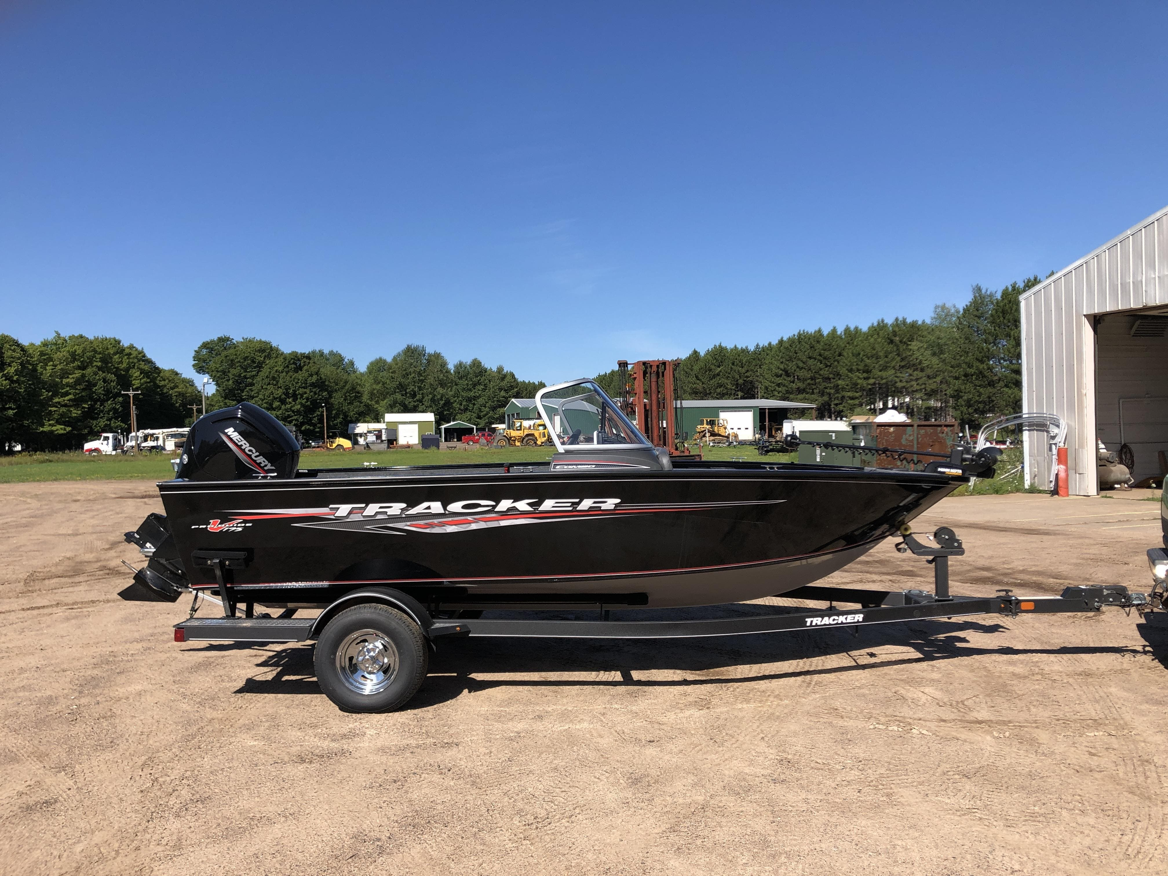 2021 Tracker Boats boat for sale, model of the boat is pro guide & Image # 2 of 20