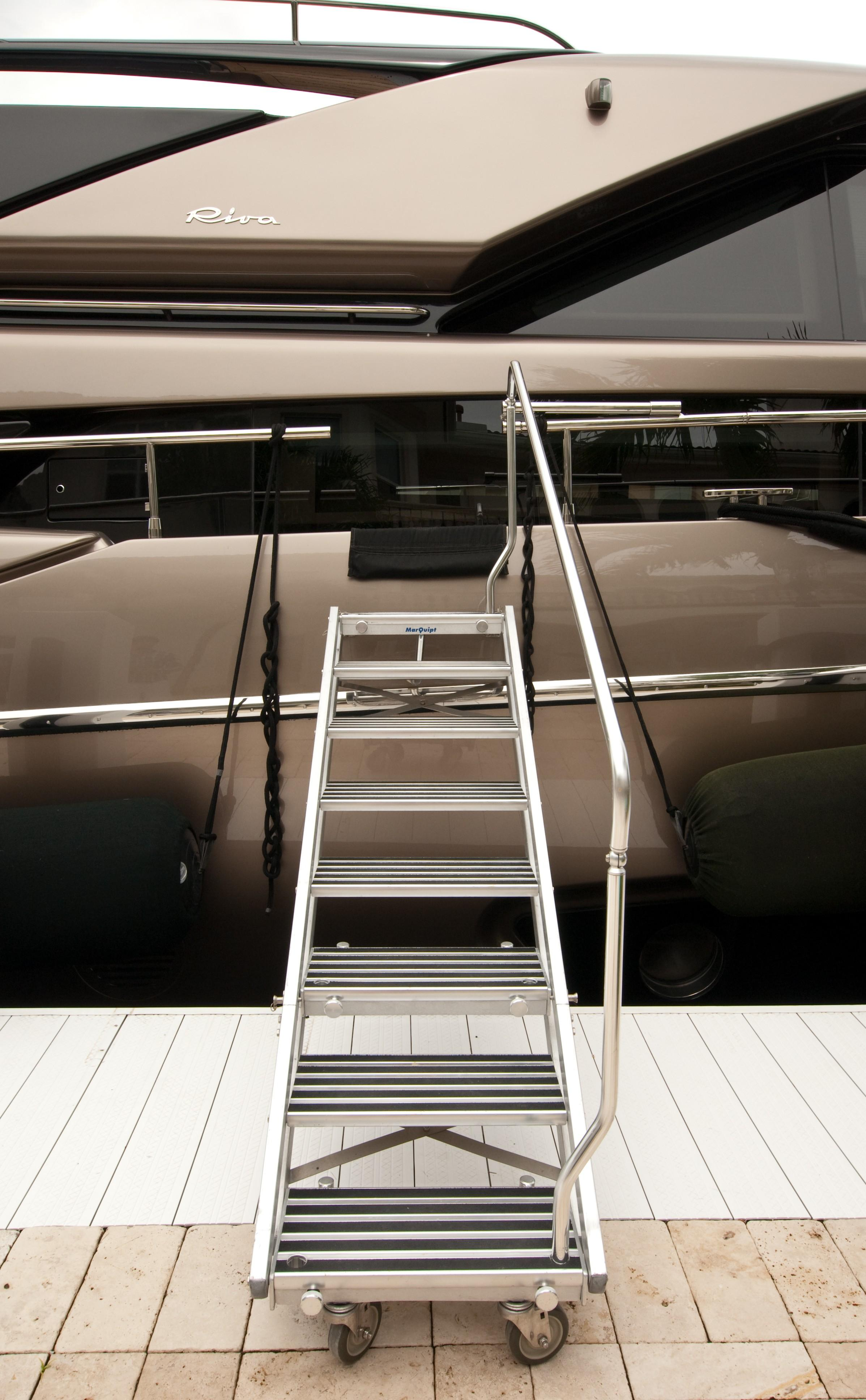2012 Riva 86 Domino - Boarding Ladder