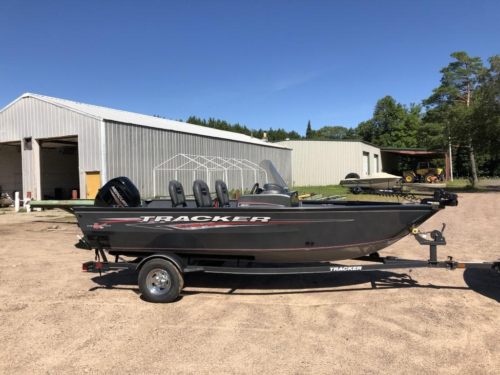 2020 Tracker Boats boat for sale, model of the boat is pro guide & Image # 2 of 14