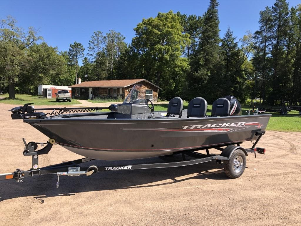 2020 Tracker Boats boat for sale, model of the boat is pro guide & Image # 4 of 14