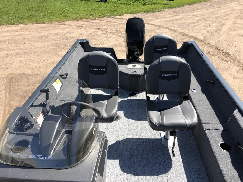 2020 Tracker Boats boat for sale, model of the boat is pro guide & Image # 8 of 14