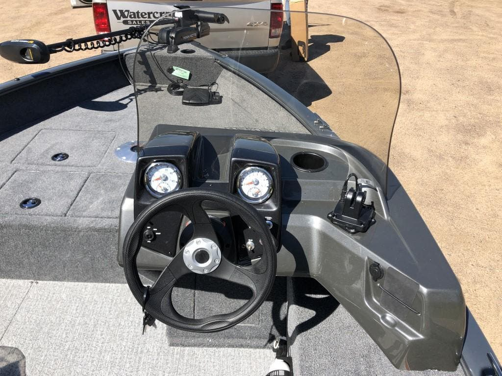 2020 Tracker Boats boat for sale, model of the boat is pro guide & Image # 9 of 14
