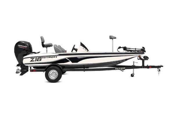 2020 Nitro boat for sale, model of the boat is Z18 & Image # 11 of 54