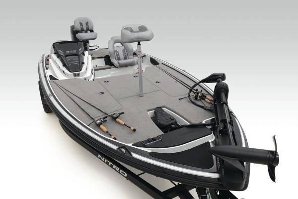 2020 Nitro boat for sale, model of the boat is Z18 & Image # 14 of 54