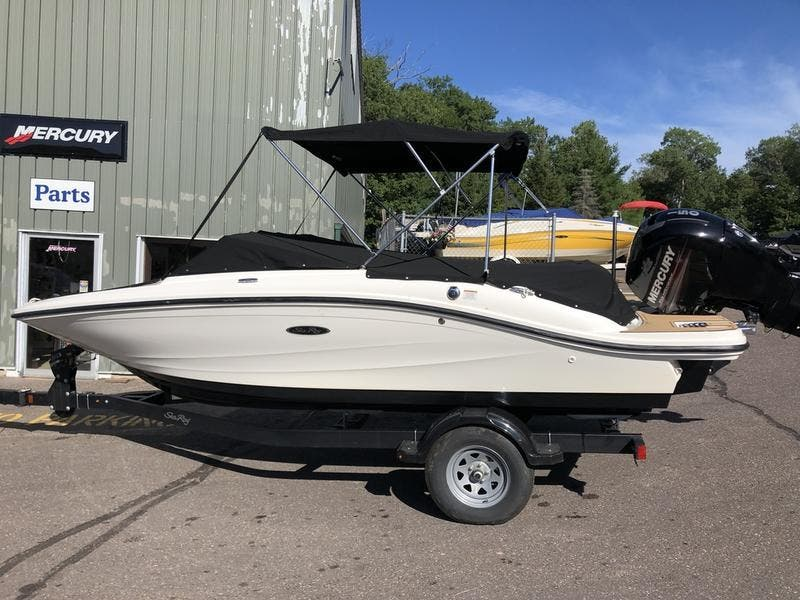 2019 Sea Ray boat for sale, model of the boat is spx & Image # 1 of 5