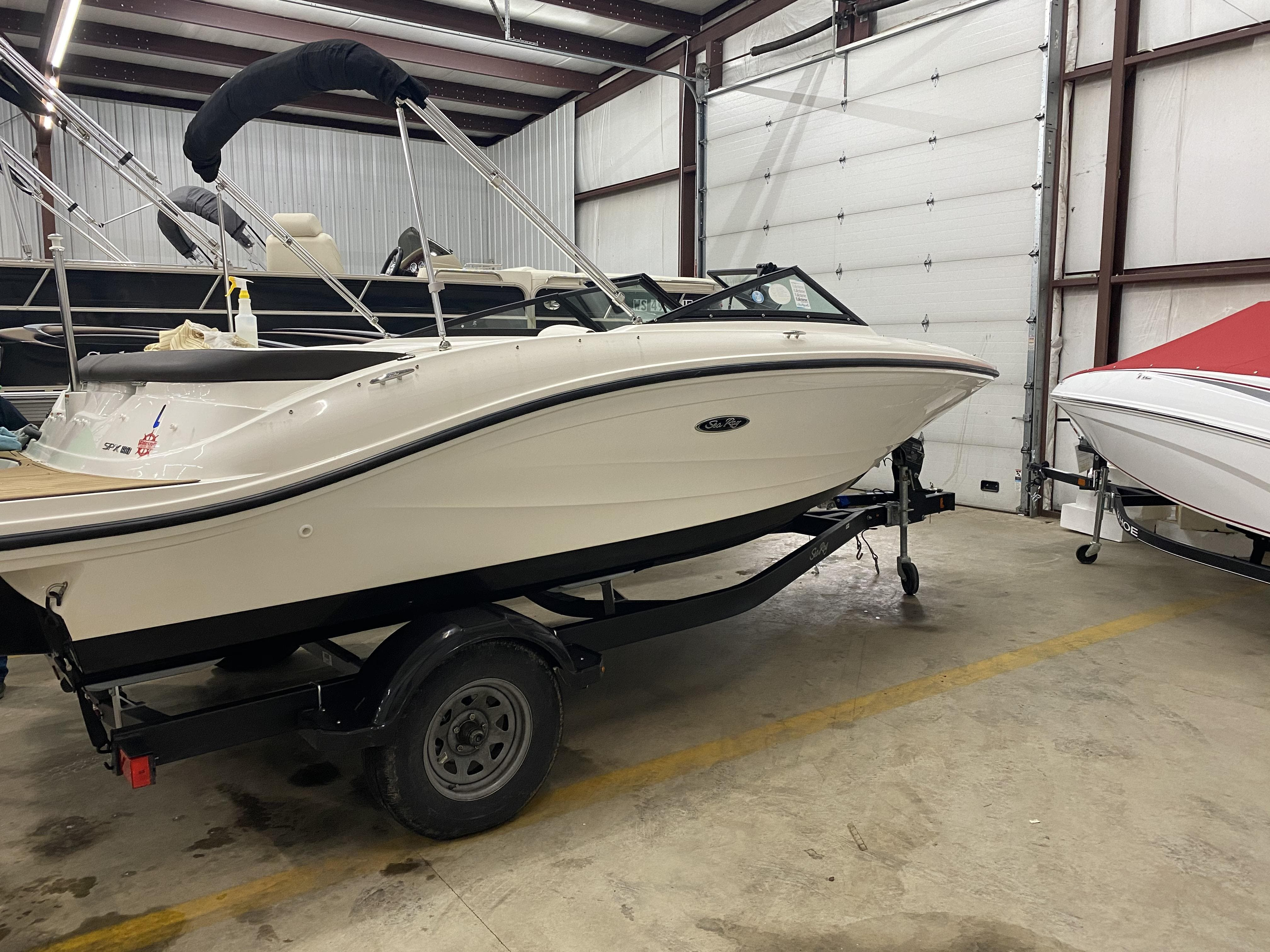 2019 Sea Ray boat for sale, model of the boat is spx & Image # 2 of 5
