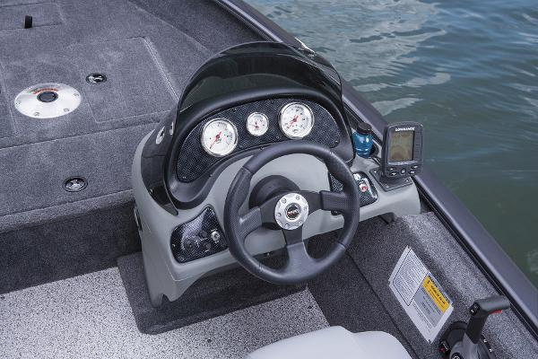 2015 Tracker Boats boat for sale, model of the boat is Super Guide V-16 SC & Image # 13 of 24