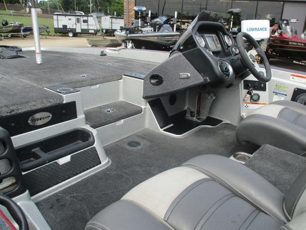 2014 Triton boat for sale, model of the boat is 18 XS & Image # 2 of 8