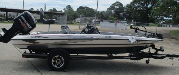 2014 Triton boat for sale, model of the boat is 18 XS & Image # 5 of 8