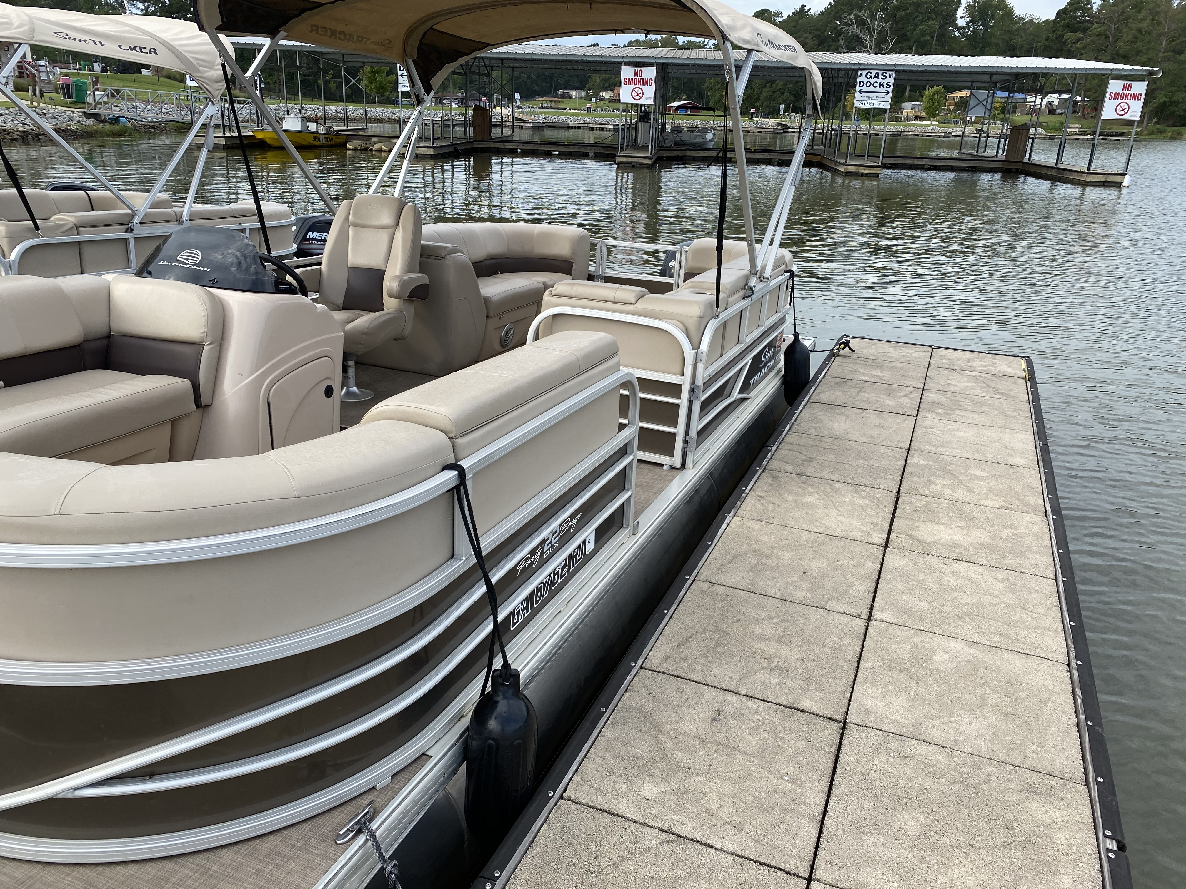2019 Sun Tracker boat for sale, model of the boat is PARTY BARGE 22 w/ Mercury 115Hp 4S & Image # 11 of 21
