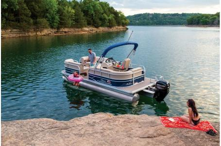 2019 Sun Tracker boat for sale, model of the boat is PARTY BARGE 22 w/ Mercury 115Hp 4S & Image # 3 of 21