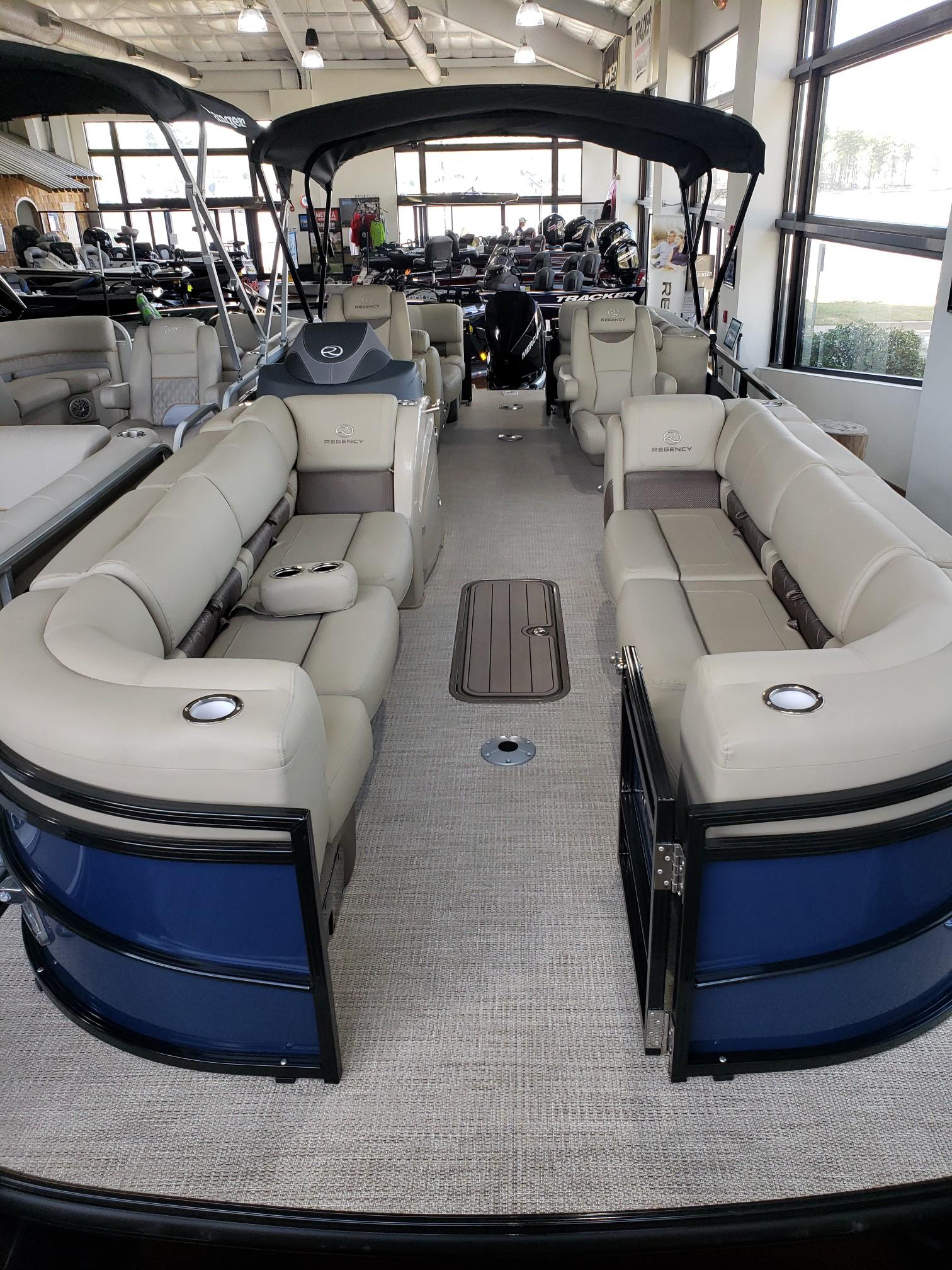 2020 Regency boat for sale, model of the boat is 250 LE3 w/300L Verado & Image # 16 of 27