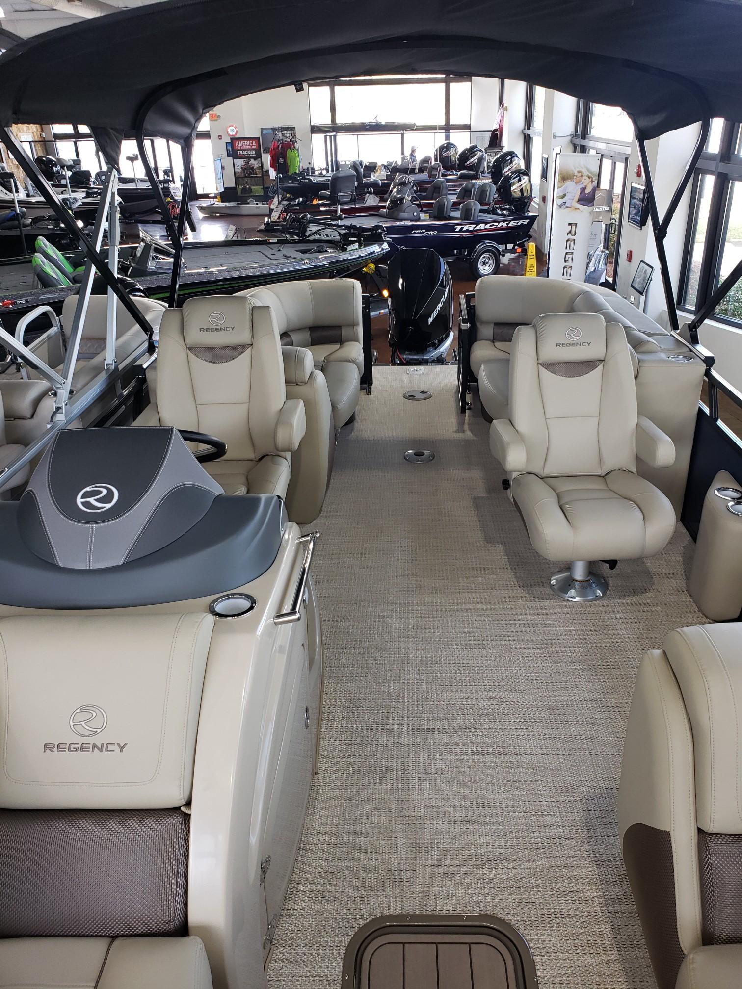 2020 Regency boat for sale, model of the boat is 250 LE3 w/300L Verado & Image # 21 of 27