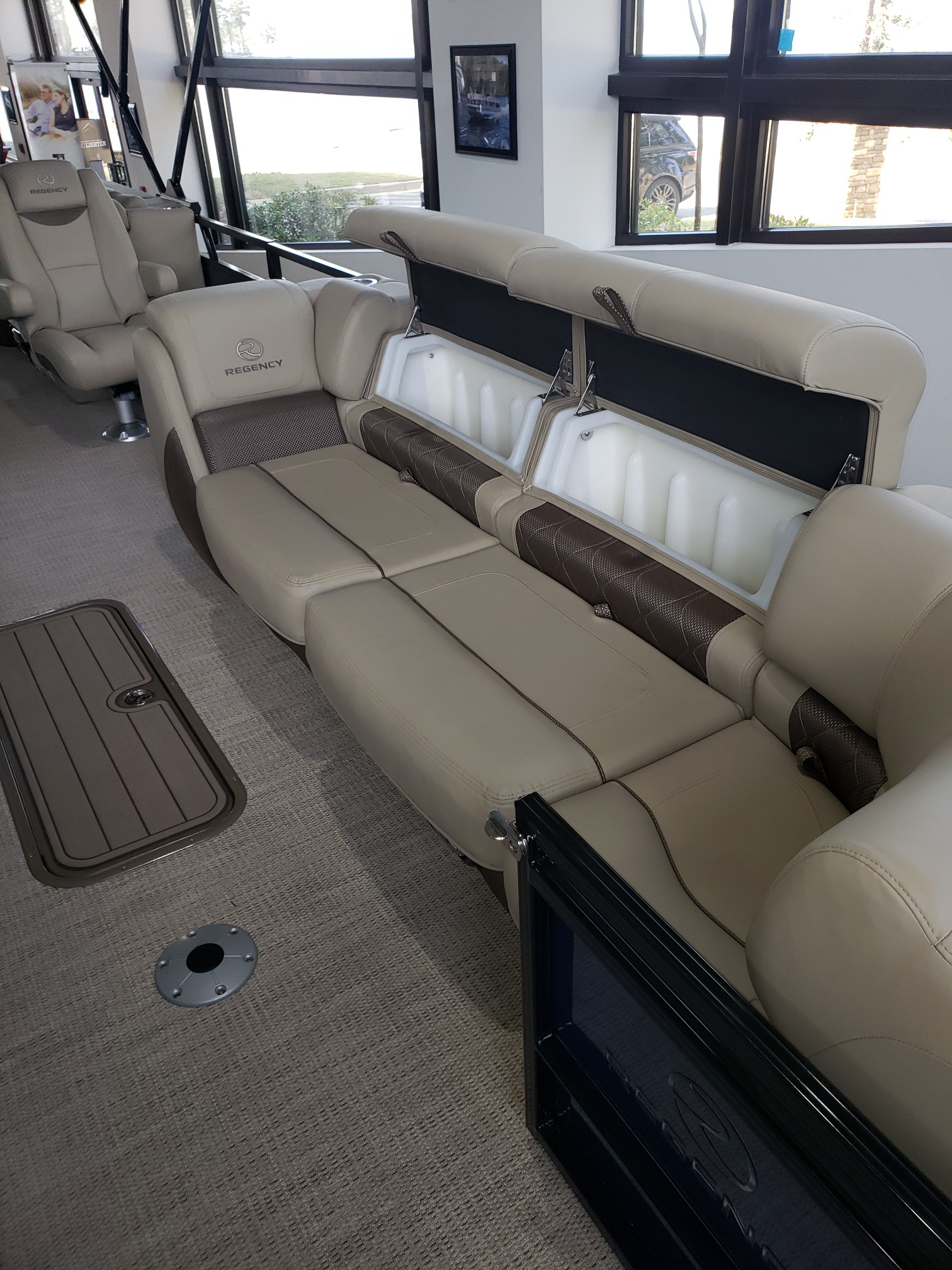 2020 Regency boat for sale, model of the boat is 250 LE3 w/300L Verado & Image # 23 of 27