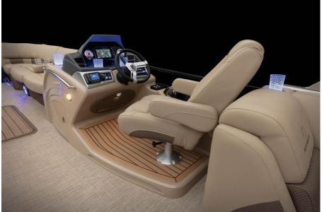 2020 Regency boat for sale, model of the boat is 250 LE3 w/300L Verado & Image # 26 of 27
