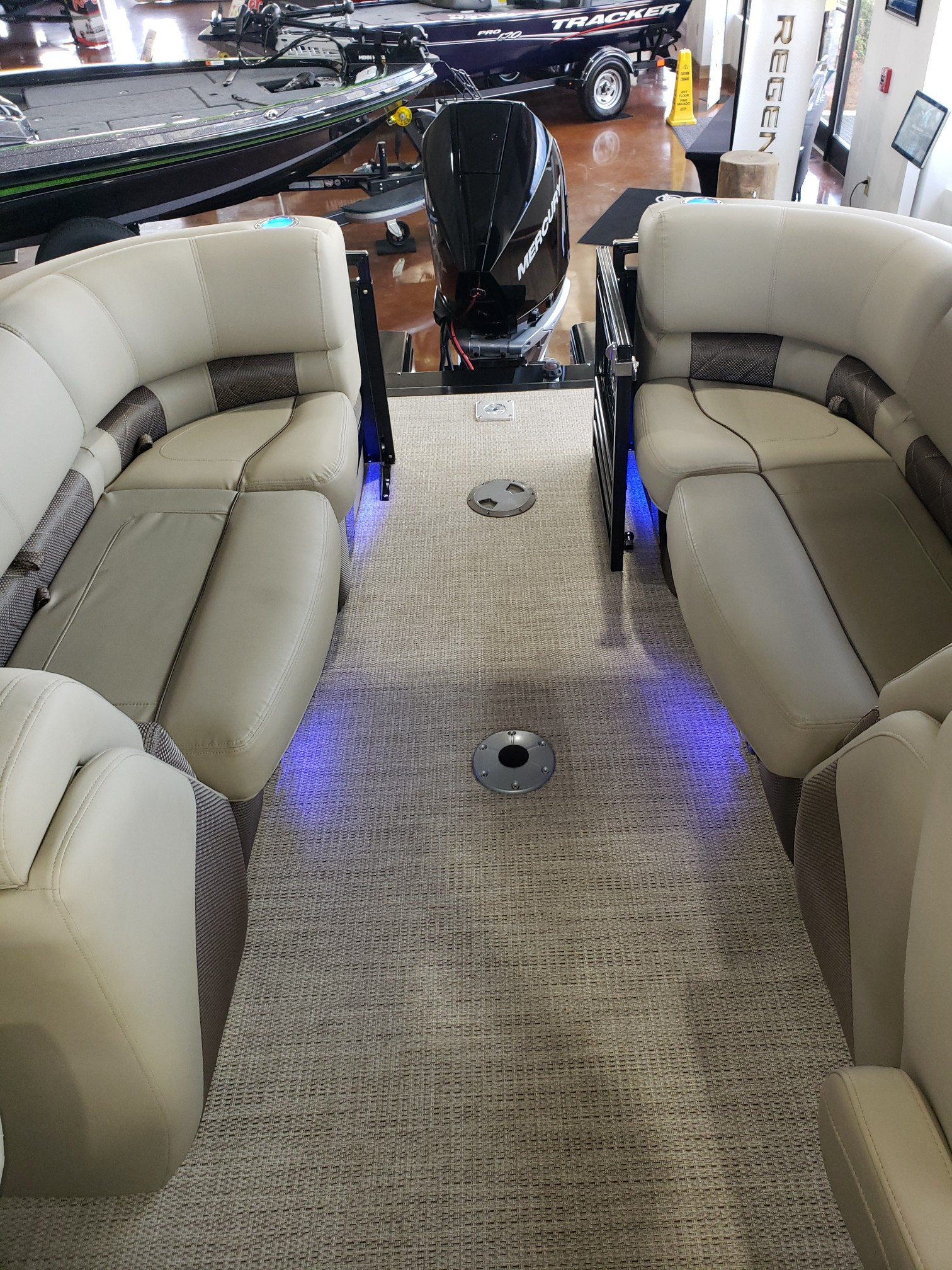 2020 Regency boat for sale, model of the boat is 250 LE3 w/300L Verado & Image # 6 of 27