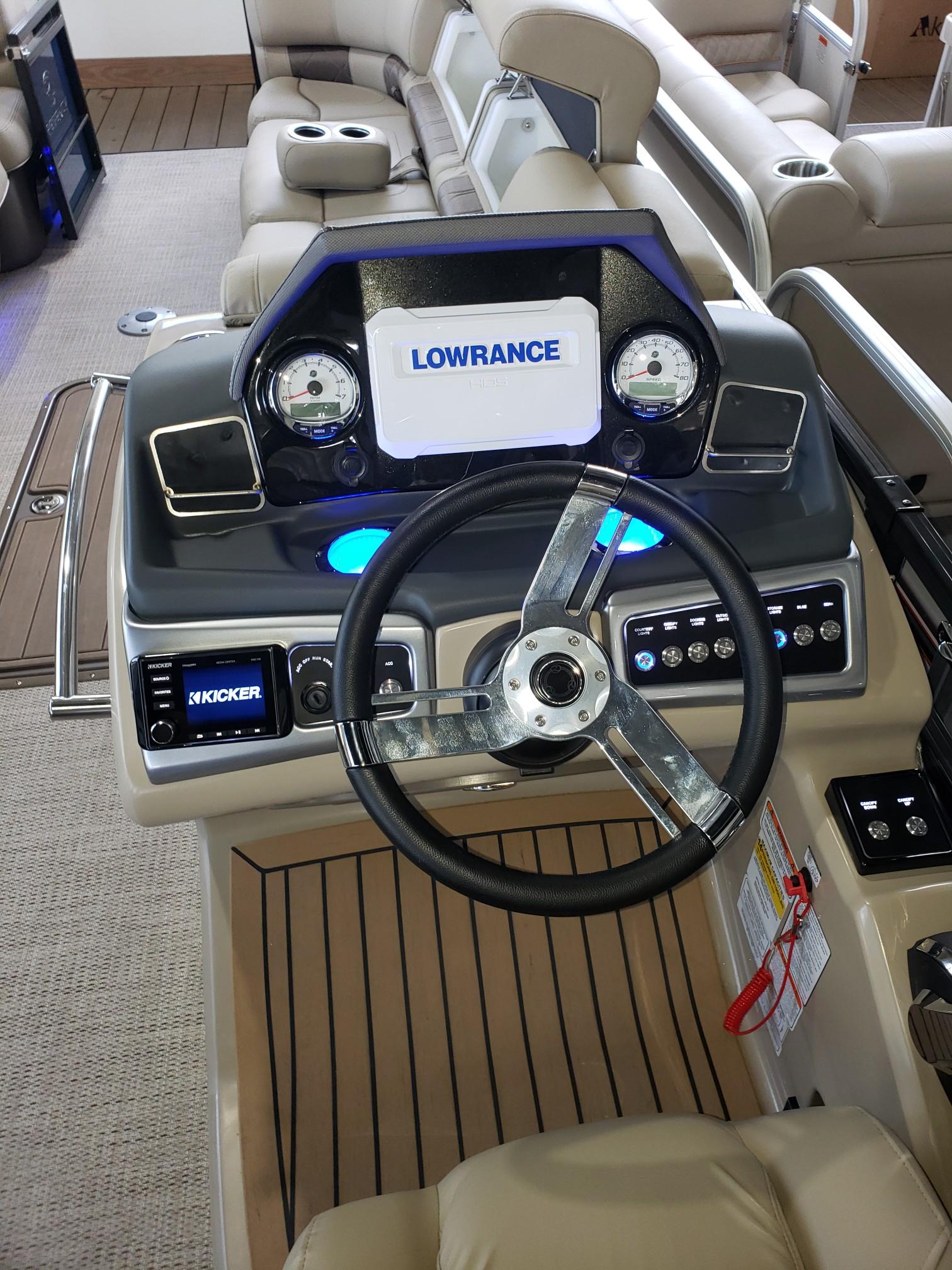 2020 Regency boat for sale, model of the boat is 250 LE3 w/300L Verado & Image # 7 of 27