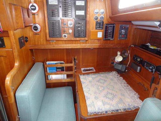 1982 Bristol 41.1 Center Cockpit