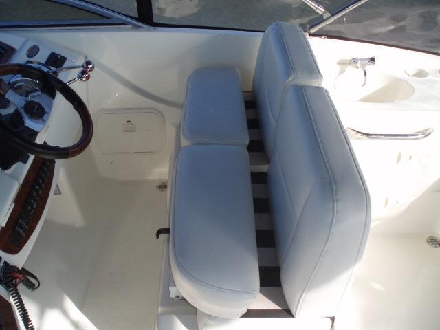 Meridian 411 Sedan - Flybridge Helm