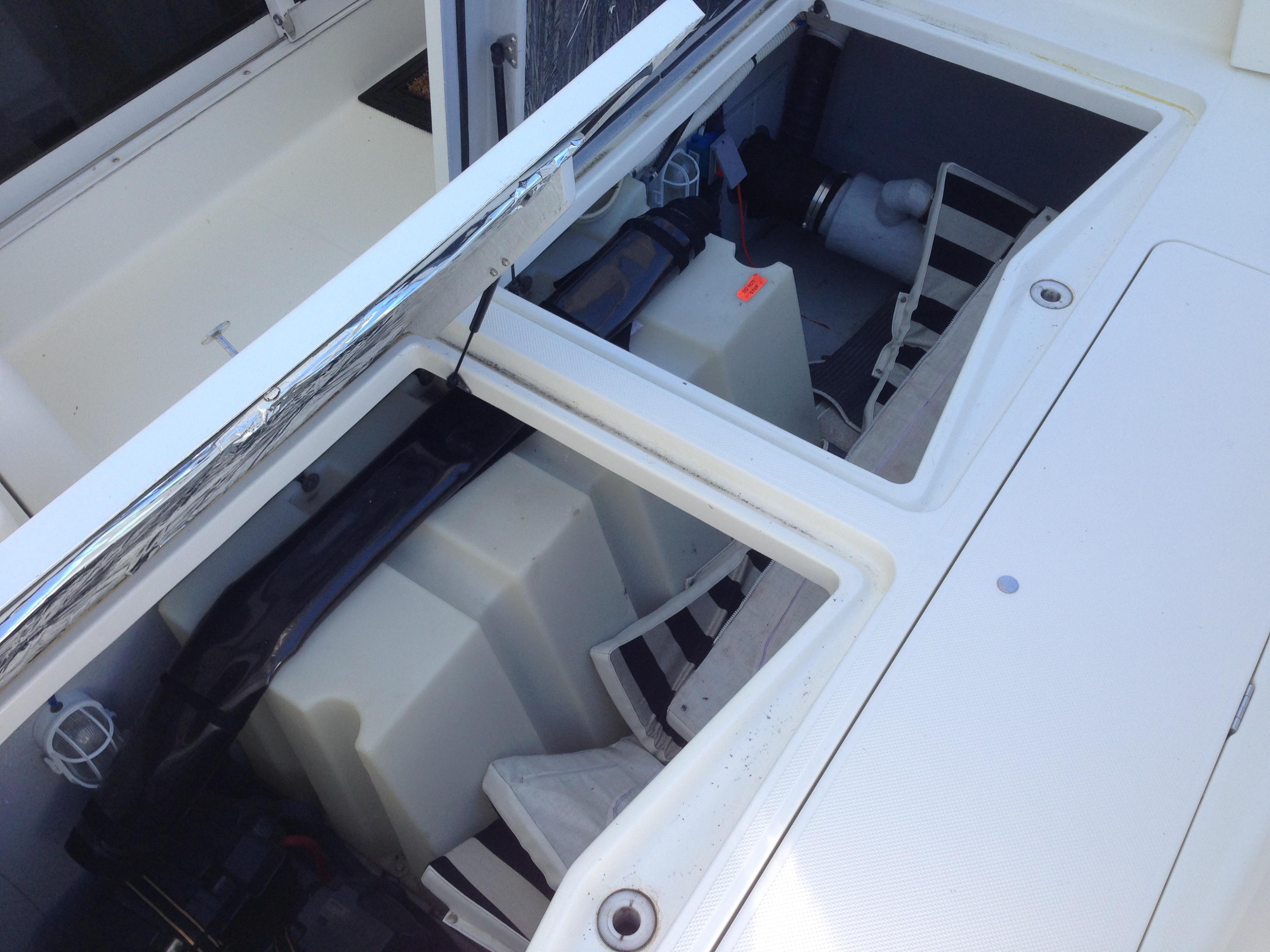Meridian 411 Sedan - Lazarette Storage