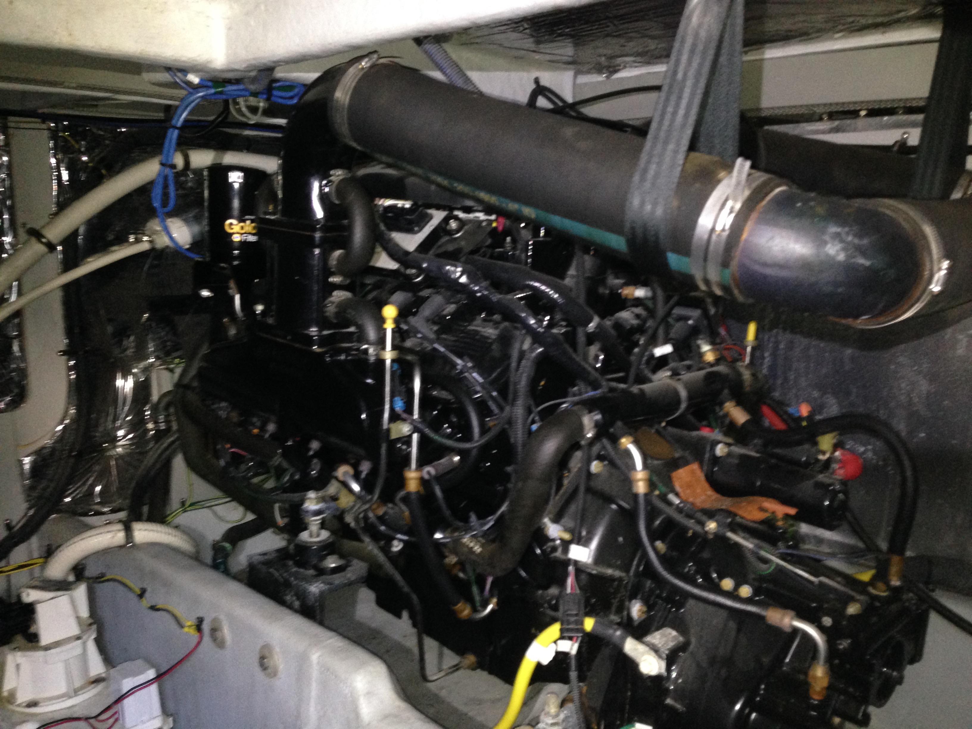 Meridian 411 Sedan - Starboard Engine