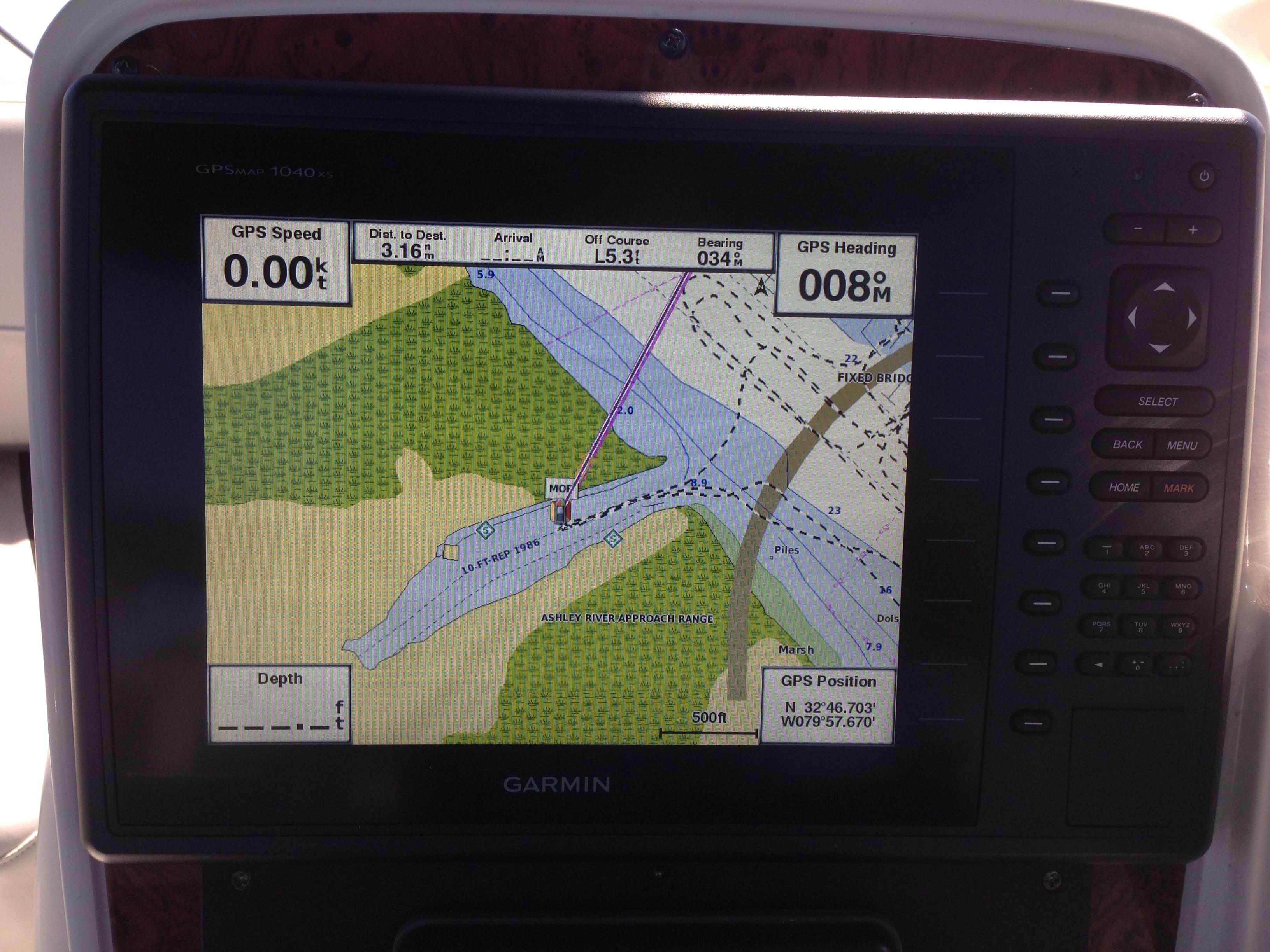 Meridian 411 Sedan - New Garmin GPS