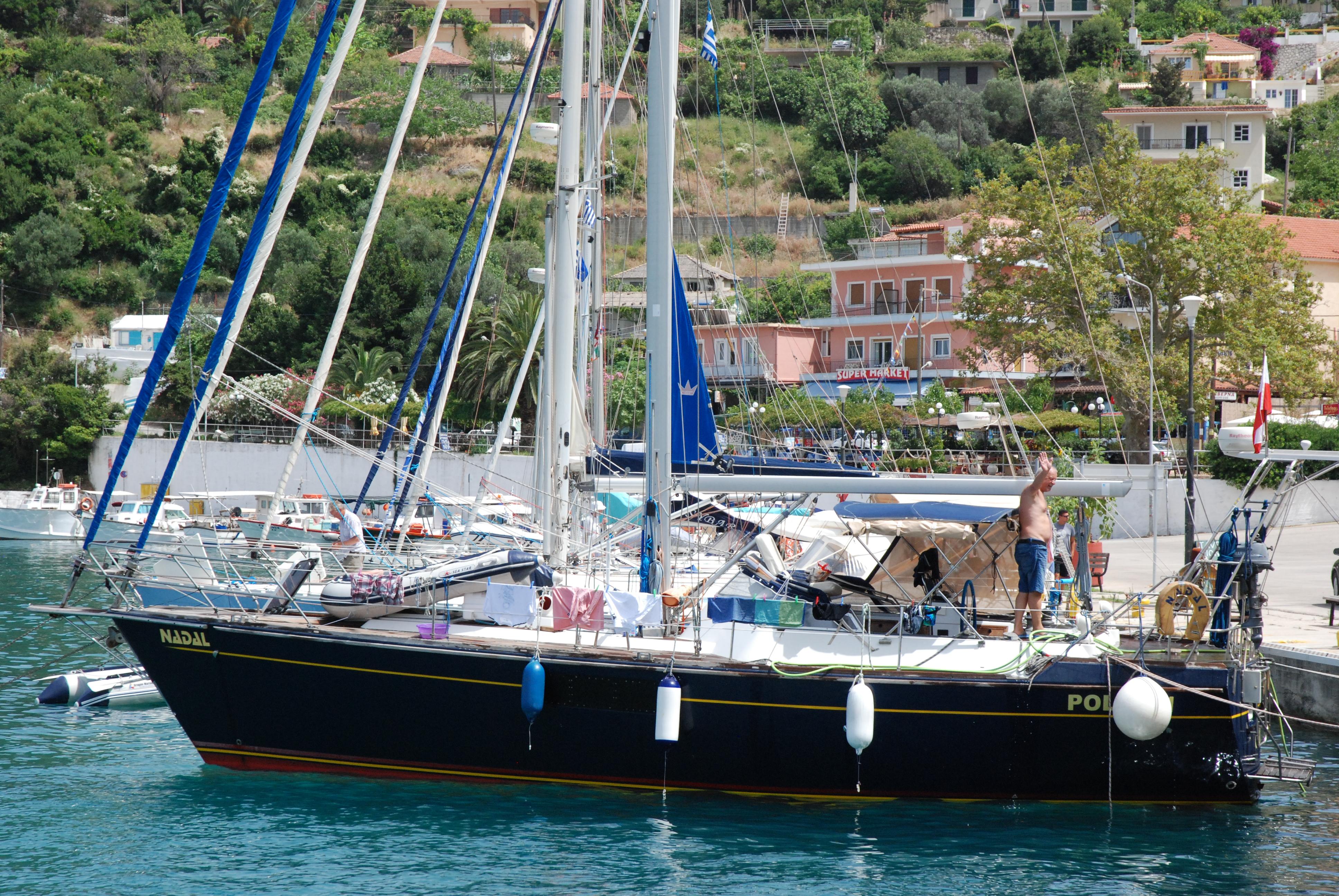 Polaris Yachts Outborn 40