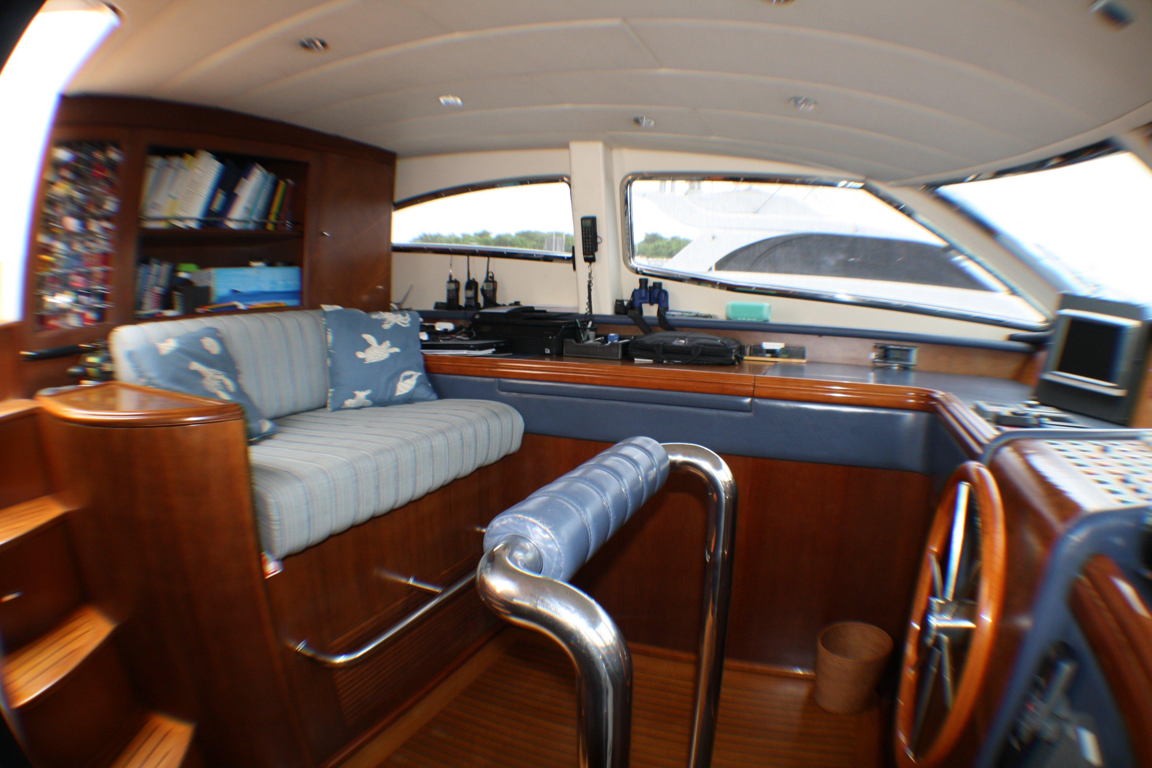 Azimut 100 Jumbo 2004 Pilot House