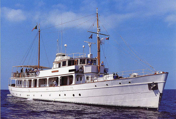 1930 classic motor yacht for sale for Vintage motor yachts for sale