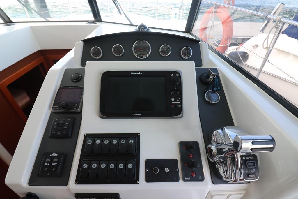 Comprehensive navigation helm