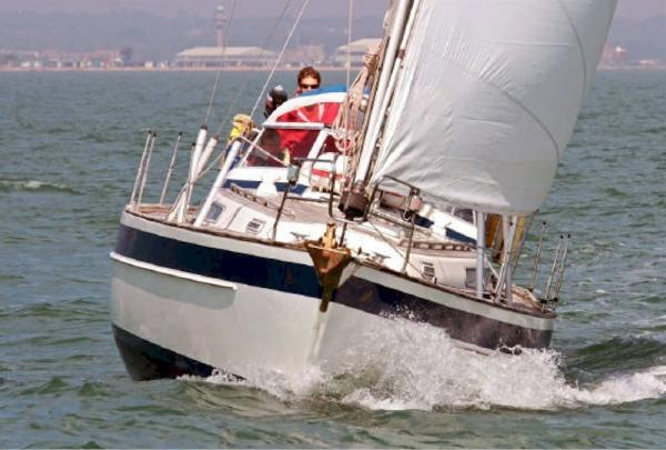Boat Name: PACIFICO; Year: 1992; Builder: Hallberg-Rassy Varvs AB; Model: 36 ...