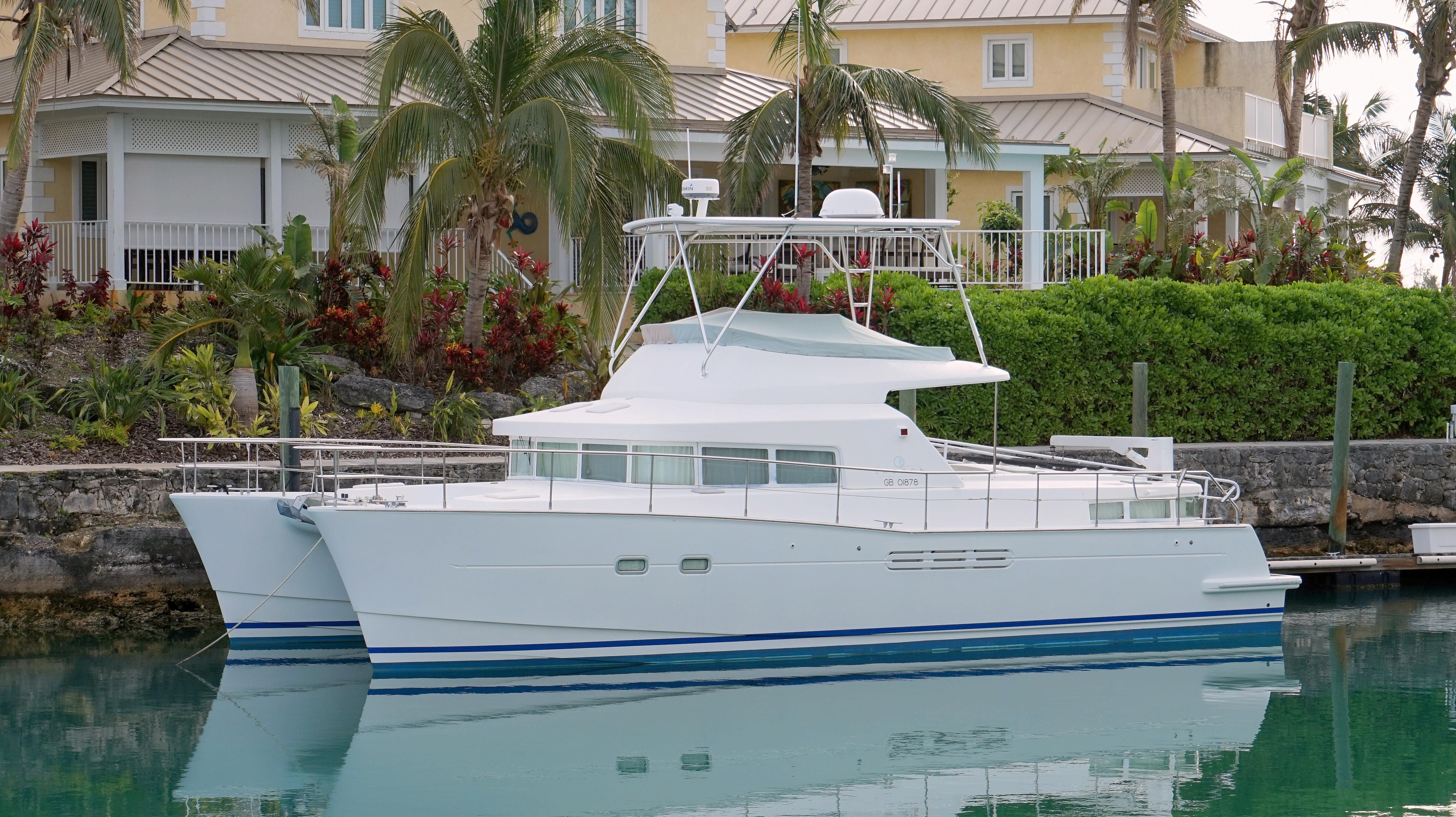43' Lagoon 2001 Power Catamaran