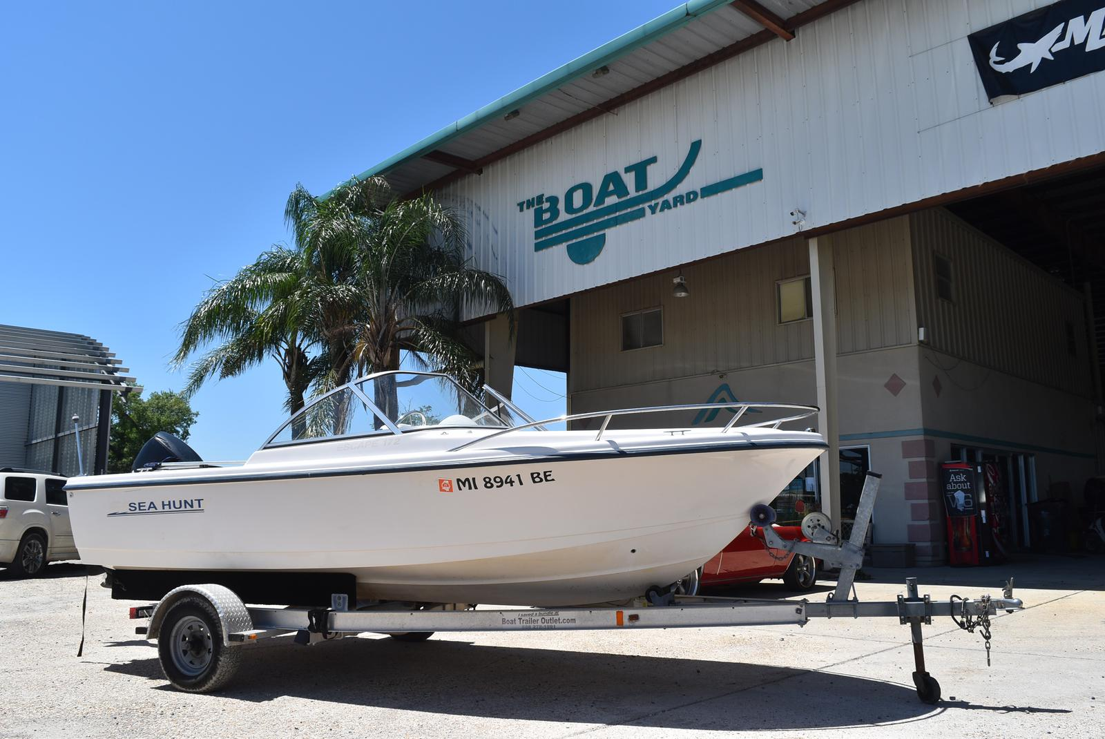 1998 Sea Hunt boat for sale, model of the boat is 172 ESCAPE & Image # 1 of 20