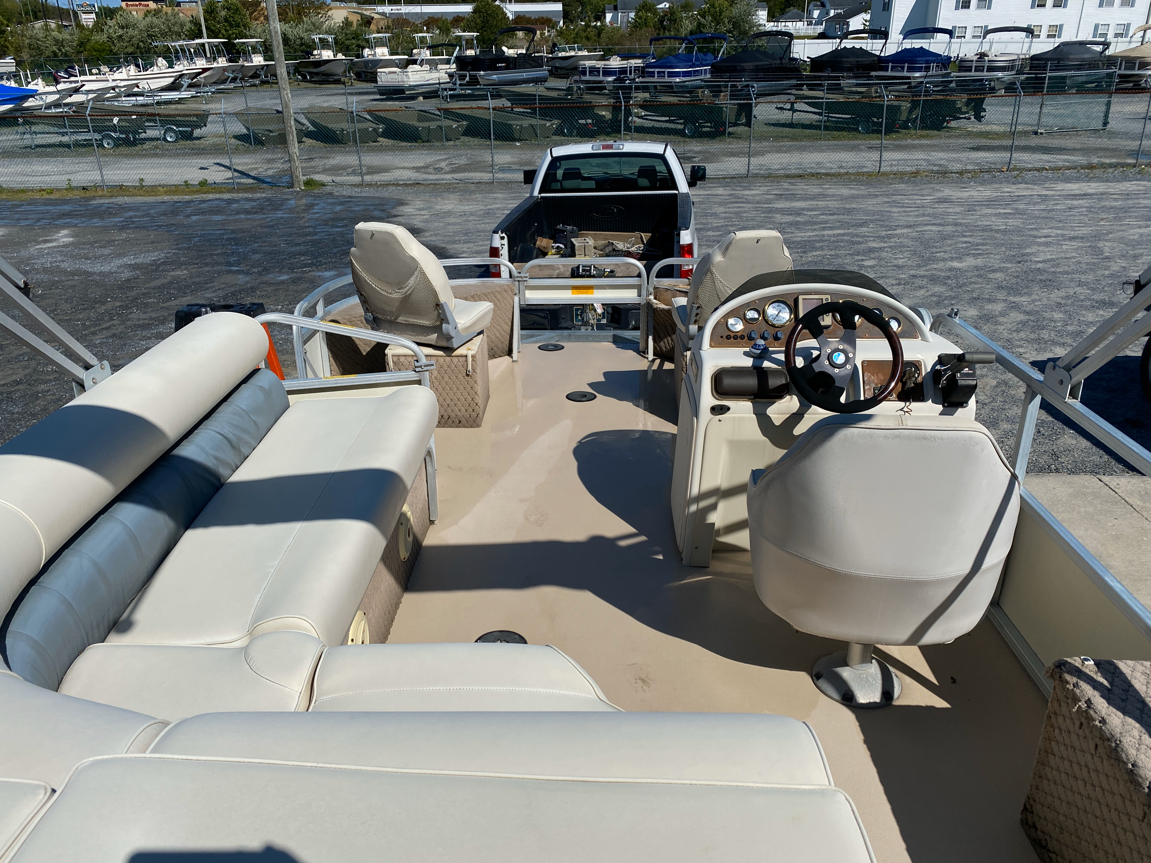 2002 Tahoe boat for sale, model of the boat is Grand Tahoe FNF & Image # 3 of 10