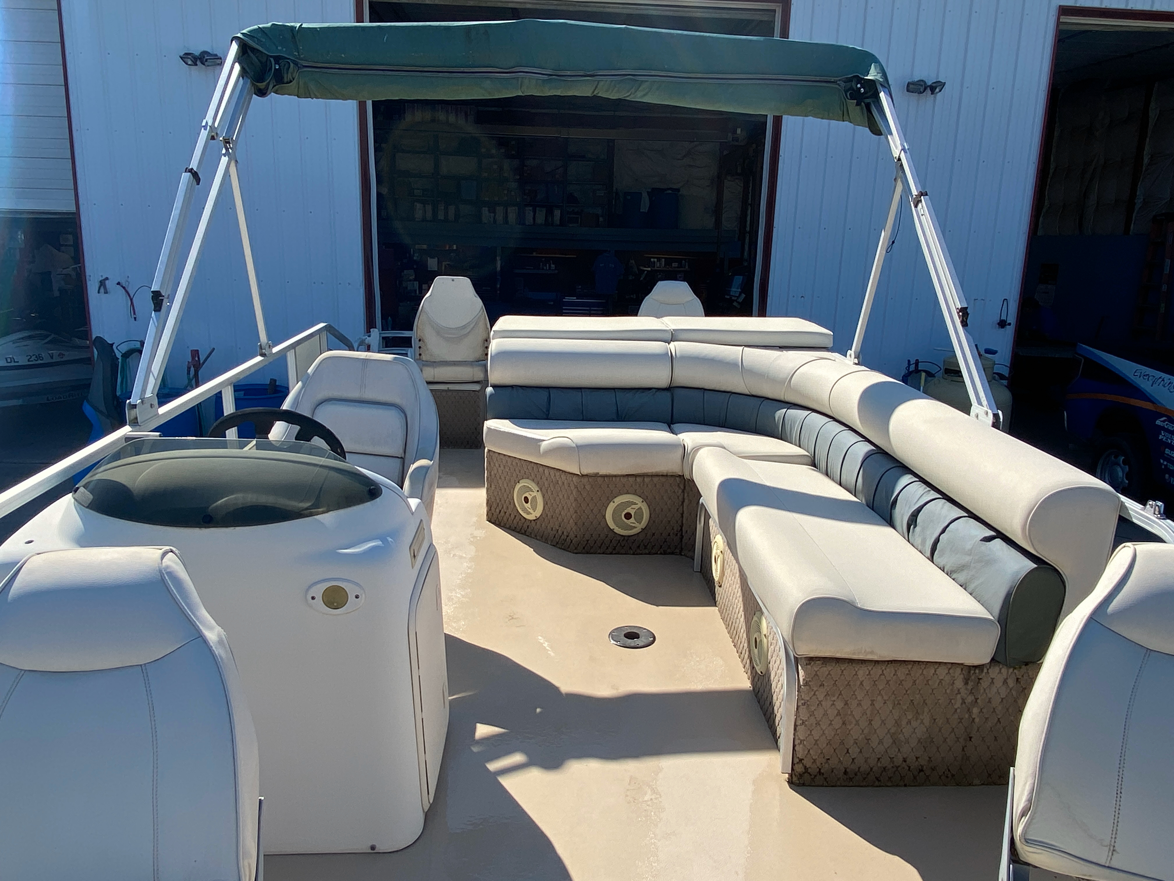 2002 Tahoe boat for sale, model of the boat is Grand Tahoe FNF & Image # 7 of 10