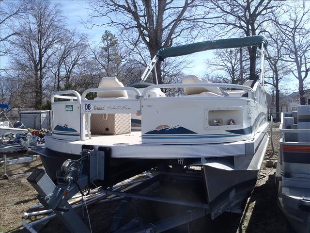 2002 Tahoe boat for sale, model of the boat is Grand Tahoe FNF & Image # 9 of 10