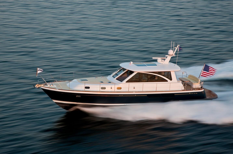 Hunt Yachts 52