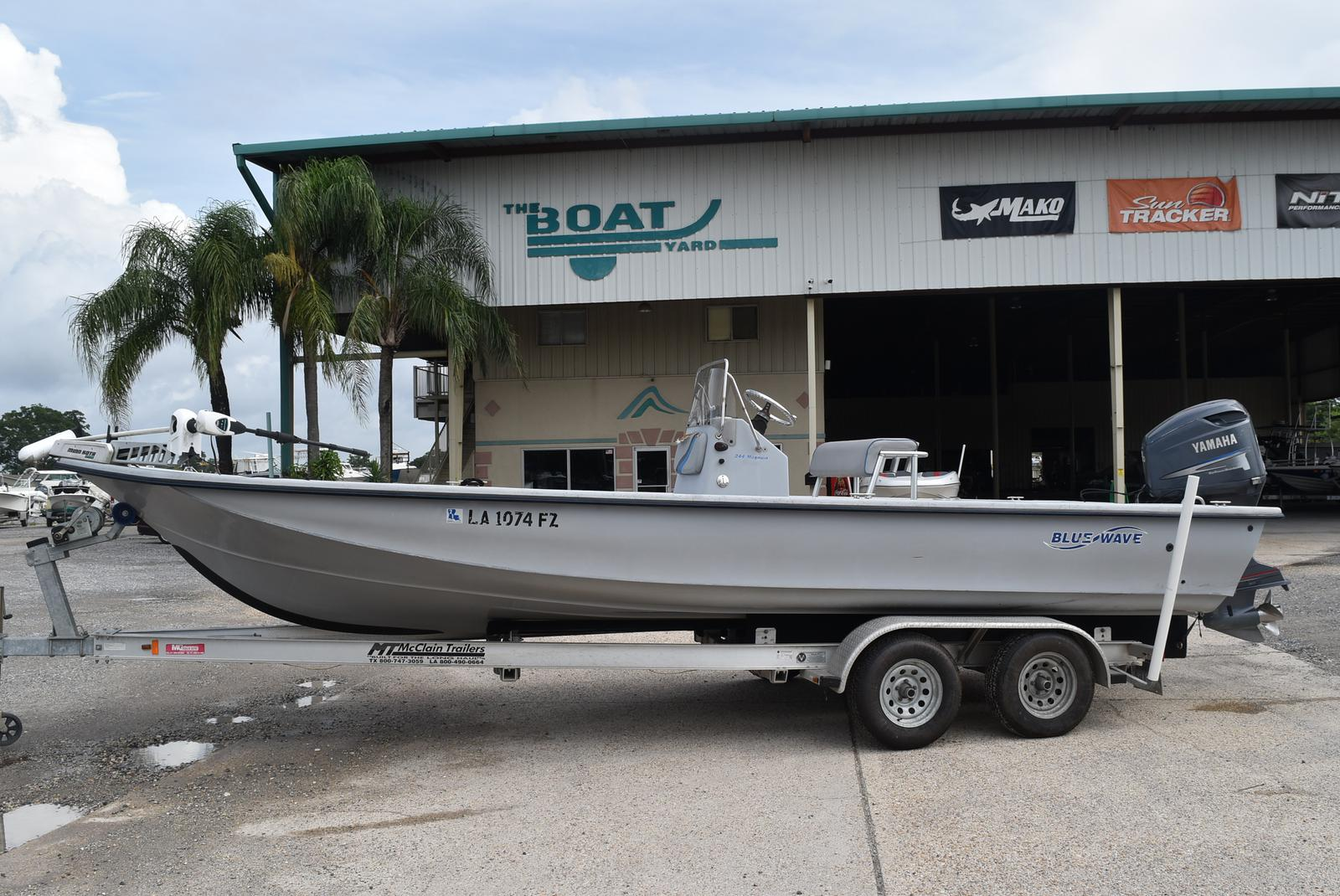 2005 Blue Wave boat for sale, model of the boat is 244 Magnum & Image # 1 of 8