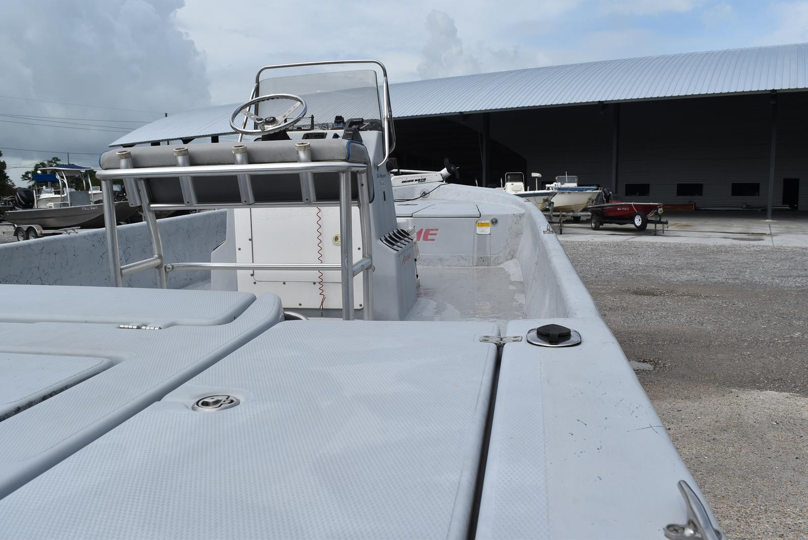 2005 Blue Wave boat for sale, model of the boat is 244 Magnum & Image # 5 of 8