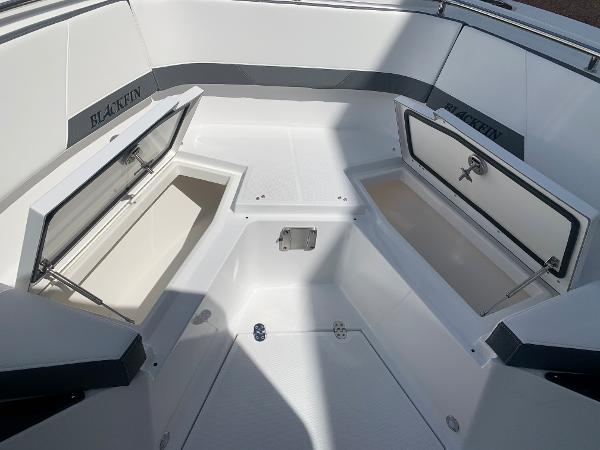 2021 Blackfin boat for sale, model of the boat is 272CC & Image # 35 of 56
