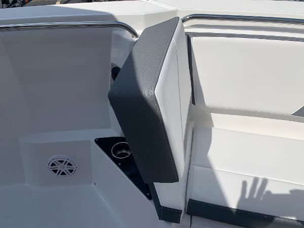 2021 Blackfin boat for sale, model of the boat is 272CC & Image # 38 of 56