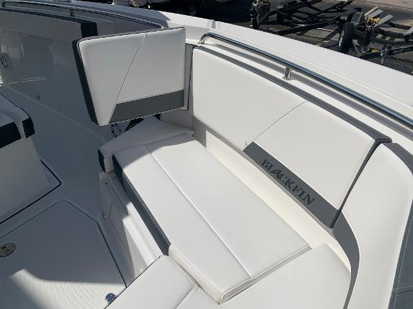 2021 Blackfin boat for sale, model of the boat is 272CC & Image # 39 of 56