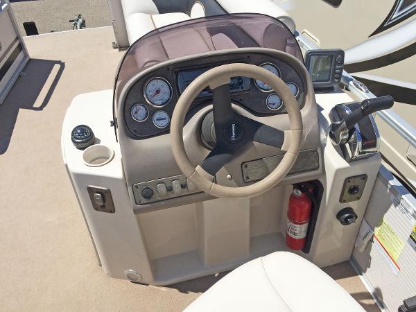 2007 Premier Pontoons boat for sale, model of the boat is Gemini 221 & Image # 12 of 13