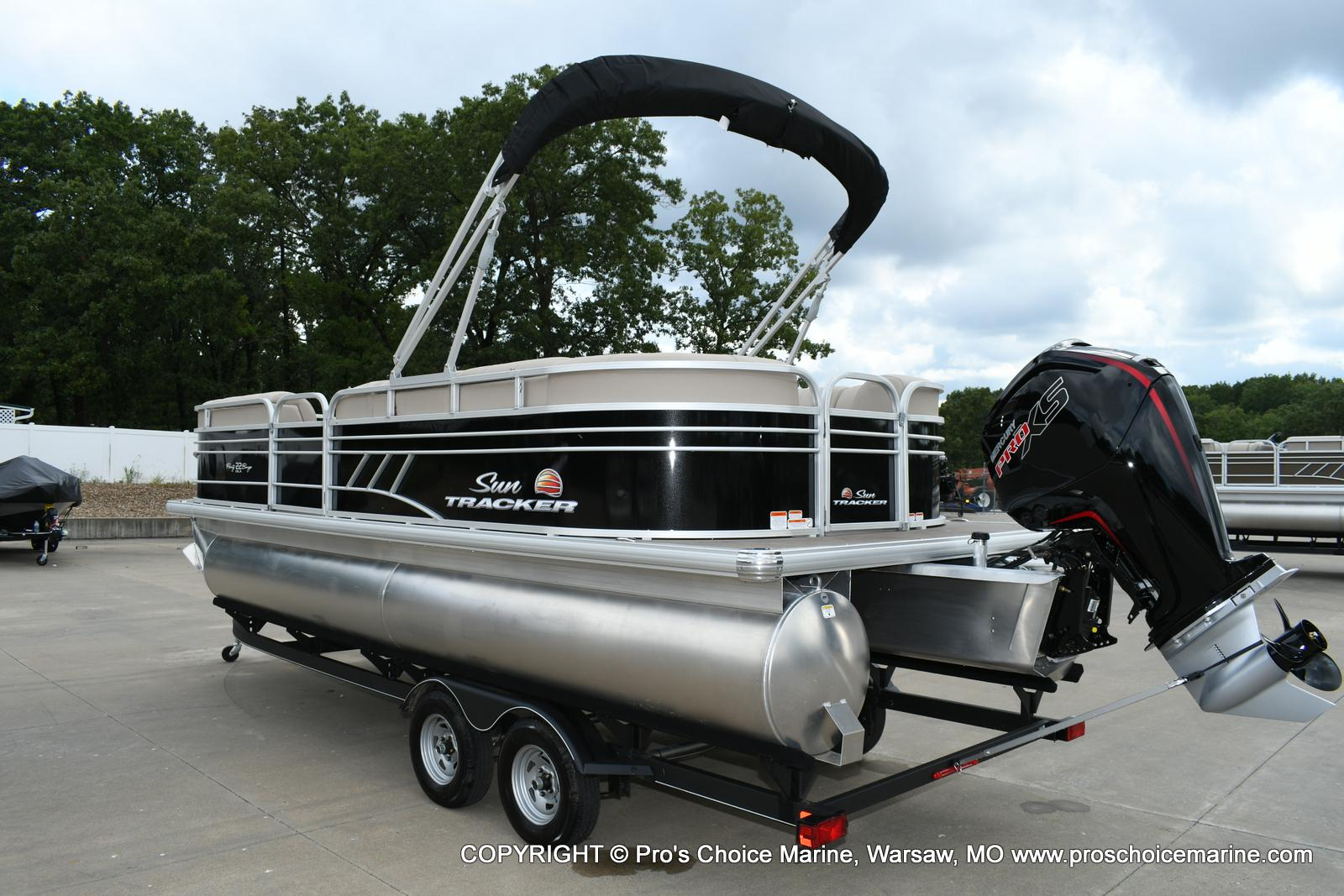 2020 Sun Tracker boat for sale, model of the boat is Party Barge 22 DLX & Image # 21 of 50