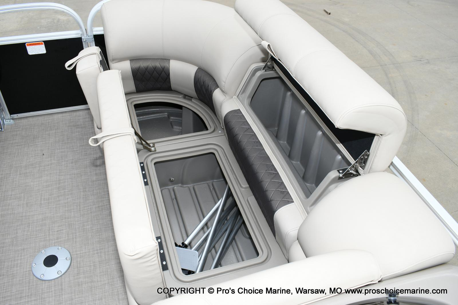 2020 Sun Tracker boat for sale, model of the boat is Party Barge 22 DLX & Image # 30 of 50